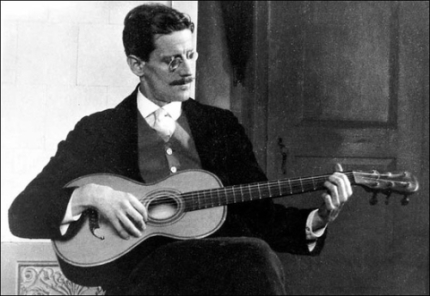 Joyce-and-guitar.jpg